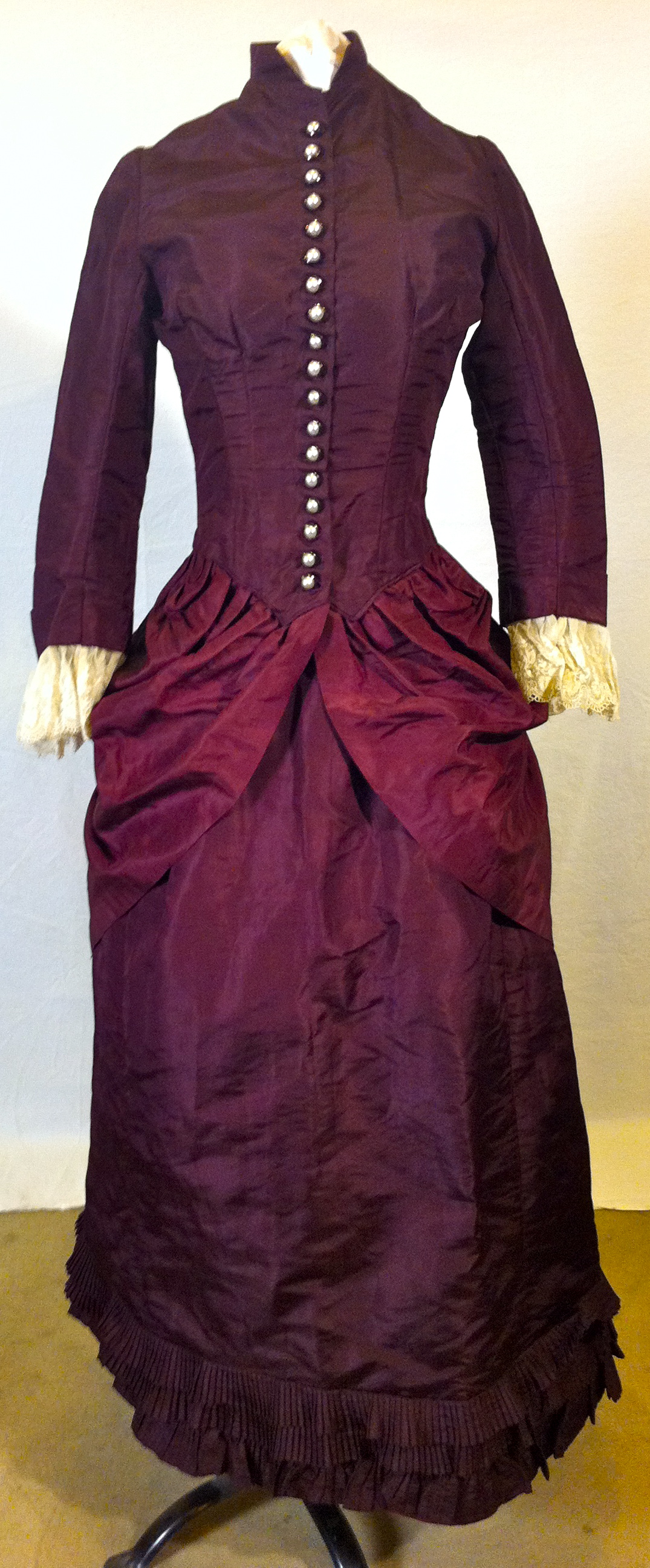 An Introduction to Victorian Dress